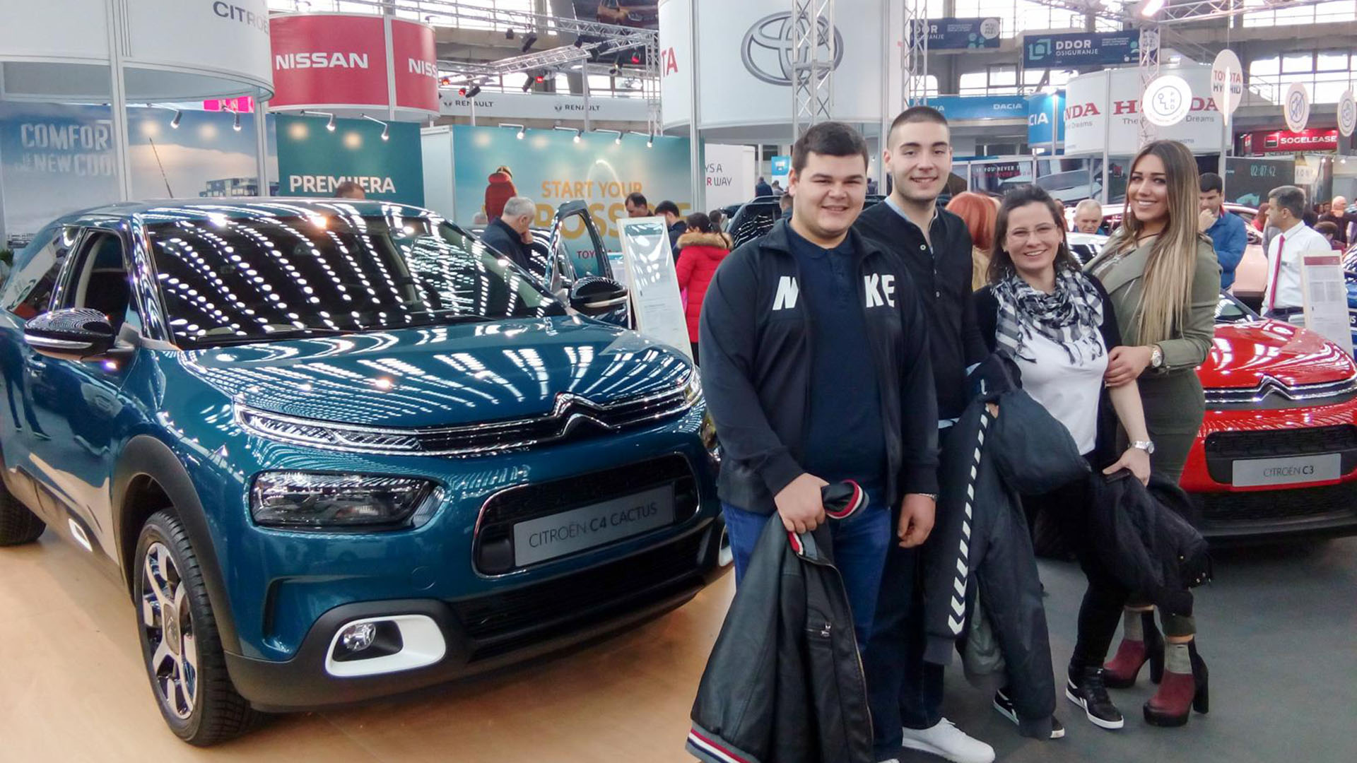 Students ar motor show